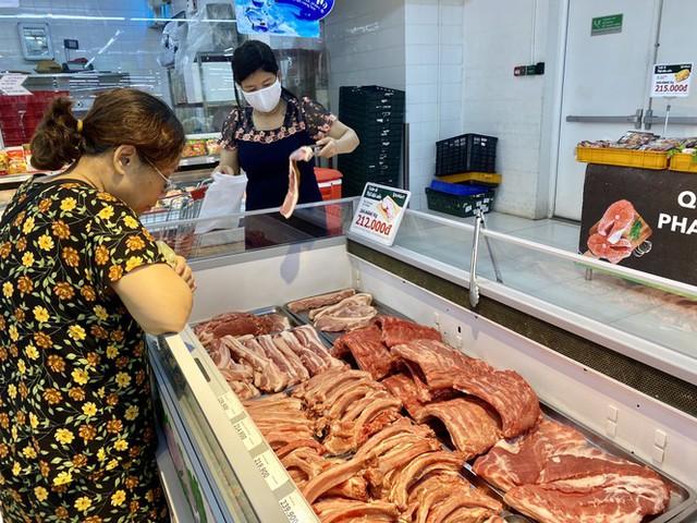 9.000 con lợn sống Thái Lan về Việt Nam bán ở đâu? - Ảnh 1.
