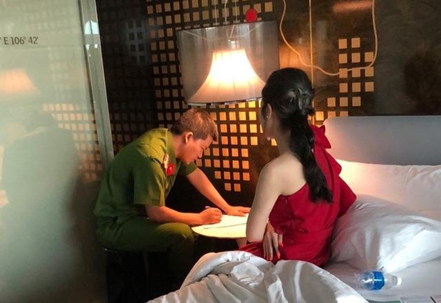 Tú ông cầm đầu đường dây bán dâm 30.000 USD ở Sài Gòn: Làm giả CMT, chỉ chi cho chân dài 2.000 - 6.000 USD - Ảnh 2.