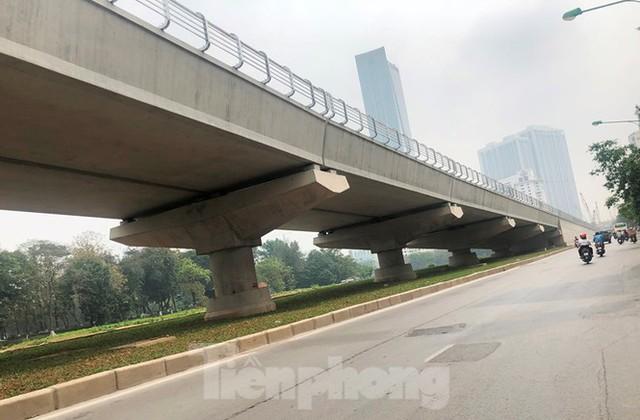 Cận cảnh đoạn metro Hà Nội vừa bị đòi bồi thường 19 triệu USD - Ảnh 9.