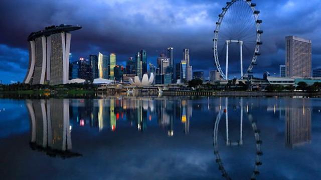 Bloomberg: Kinh tế Singapore chính thức suy thoái vì dịch Covid-19 - Ảnh 2.