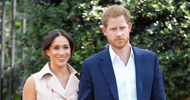 4 bằng chứng cho thấy Meghan Markle đang thao túng chồng khiến hoàng gia cũng đành bất lực - Ảnh 1.