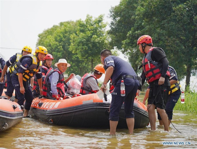 Hơn nửa miền Nam Trung Quốc chìm trong nước, thiệt hại khoảng 9 tỉ USD - Ảnh 4.