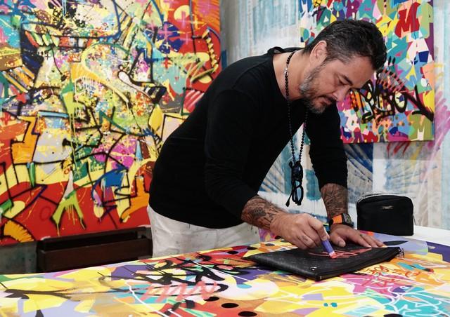 Huyền thoại graffiti gốc Việt Cyril Phan và hành trình theo đuổi sự xuất sắc - Ảnh 2.