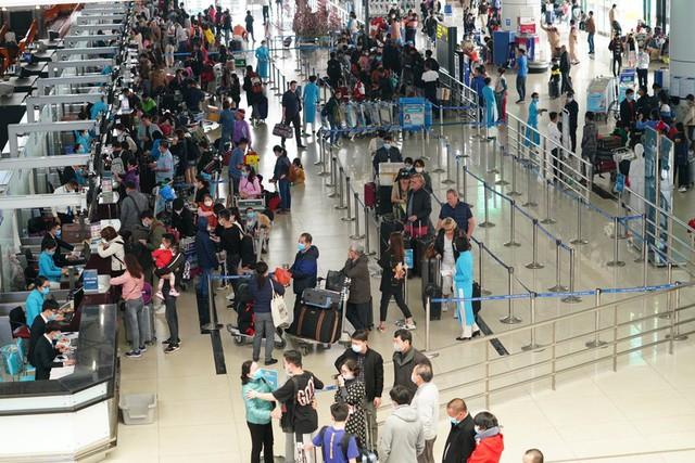Có thể mở lại chuyến bay quốc tế đi/đến Việt Nam từ đầu tháng 8 - Ảnh 1.