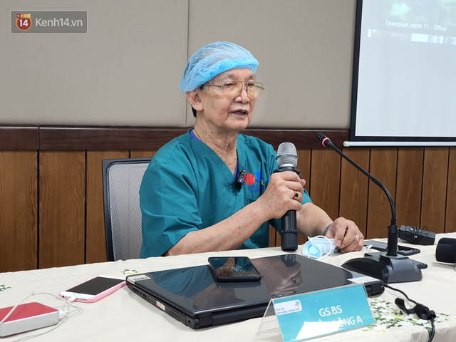 Bác sĩ mổ tách cặp song sinh Việt - Đức 32 năm trước: Dù rất khó khăn nhưng nếu ai ở trong vị trí của tôi đều cảm thấy hạnh phúc - Ảnh 4.