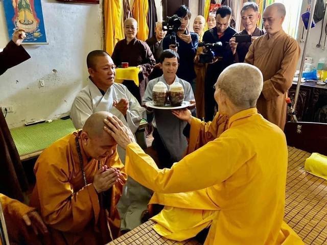 Chủ tịch tập đoàn Tôn Hoa Sen - ông Lê Phước Vũ quy y Tam Bảo - Ảnh 6.