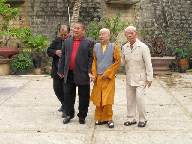 Chủ tịch tập đoàn Tôn Hoa Sen - ông Lê Phước Vũ quy y Tam Bảo - Ảnh 3.