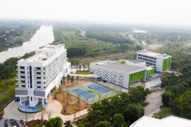 Vietcombank xây trung tâm đào tạo tại Ecopark: Xanh-sang-xịn, có hồ bơi, sân bóng như một khu nghỉ dưỡng đẳng cấp - Ảnh 2.