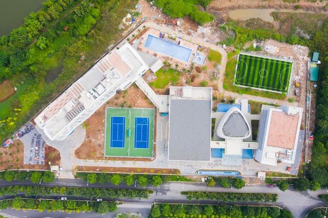 Vietcombank xây trung tâm đào tạo tại Ecopark: Xanh-sang-xịn, có hồ bơi, sân bóng như một khu nghỉ dưỡng đẳng cấp - Ảnh 1.