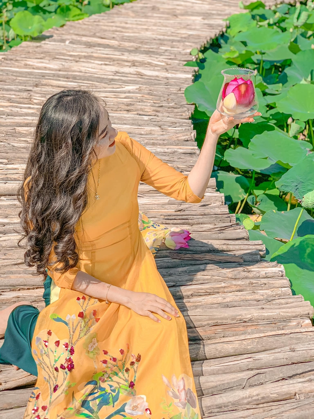 Đến Hang Múa, Ninh Bình ngập trong sắc sen hồng: Trọn vẹn 1 ngày cuối tuần rời xa thành thị xô bồ, chiêm ngưỡng vẻ đẹp thiên nhiên xanh mướt - Ảnh 4.