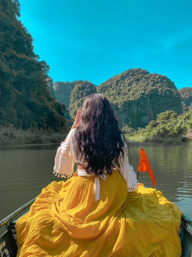 Đến Hang Múa, Ninh Bình ngập trong sắc sen hồng: Trọn vẹn 1 ngày cuối tuần rời xa thành thị xô bồ, chiêm ngưỡng vẻ đẹp thiên nhiên xanh mướt - Ảnh 10.