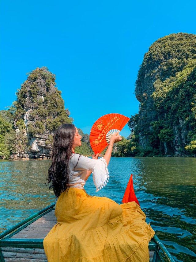 Đến Hang Múa, Ninh Bình ngập trong sắc sen hồng: Trọn vẹn 1 ngày cuối tuần rời xa thành thị xô bồ, chiêm ngưỡng vẻ đẹp thiên nhiên xanh mướt - Ảnh 11.