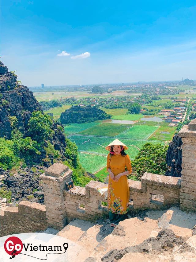Đến Hang Múa, Ninh Bình ngập trong sắc sen hồng: Trọn vẹn 1 ngày cuối tuần rời xa thành thị xô bồ, chiêm ngưỡng vẻ đẹp thiên nhiên xanh mướt - Ảnh 7.