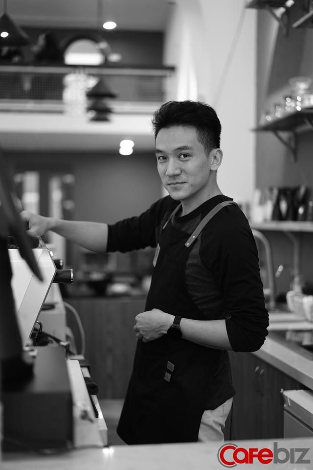 Chân dung Việt kiều bỏ việc lương nghìn USD tại ngân hàng Úc, về Việt Nam khởi nghiệp quán cà phê chỉ để được… nói tiếng Việt nhiều hơn - Ảnh 2.