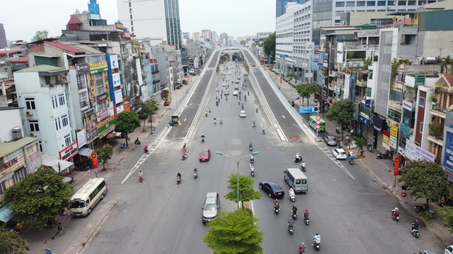Choáng ngợp khung cảnh đường Trường Chinh từ trên cao, con đường đau khổ ngày nào giờ nhìn thôi cũng sướng! - Ảnh 1.