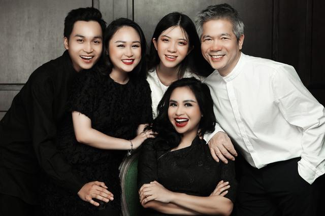 Thanh Lam ở độ tuổi 50: Ở đây có một người đàn bà đang yêu và được yêu - Ảnh 5.