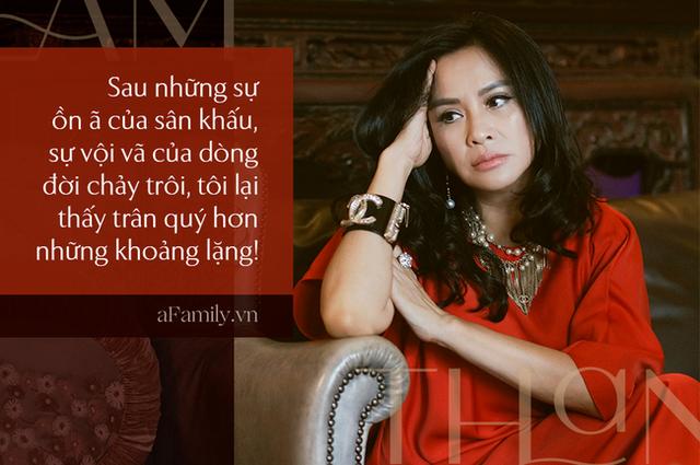 Thanh Lam ở độ tuổi 50: Ở đây có một người đàn bà đang yêu và được yêu - Ảnh 7.
