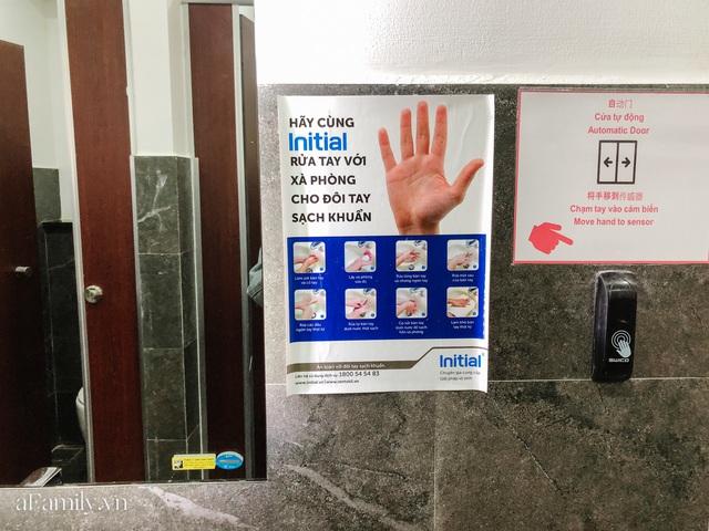 Mục sở thị nhà vệ sinh 5 sao đang hot nhất Hội An: Ra vô bằng cửa tự động cảm biến, điều hòa mát lạnh và hàng ghế chờ như công viên liệu có đáng giá 10k/lượt? - Ảnh 7.