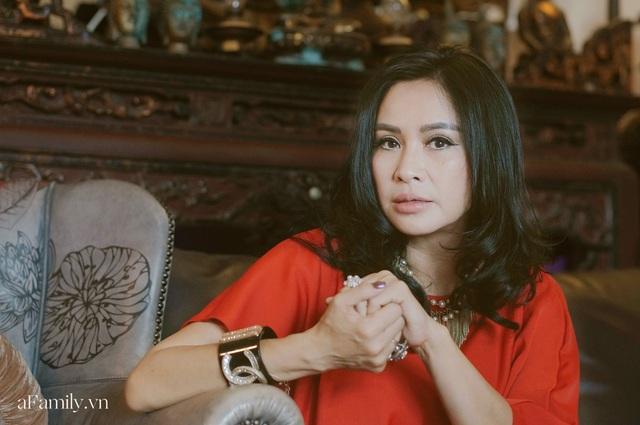 Thanh Lam ở độ tuổi 50: Ở đây có một người đàn bà đang yêu và được yêu - Ảnh 9.