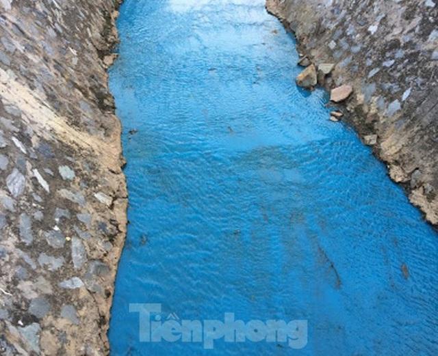 Nhiều sông, suối ở Bình Dương đang bị đầu độc? - Ảnh 2.