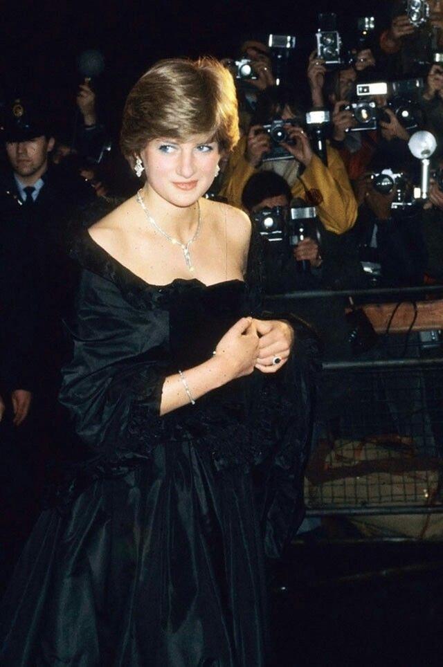 Thử thách đầu tiên của Công nương Diana khi làm dâu hoàng gia: Bị Thái tử Charles mắng mỏ thậm tệ, trở thành thảm họa không ai muốn nhắc đến - Ảnh 2.