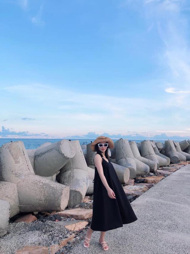 Chỉ cách Sài Gòn 4 giờ đồng hồ, có Mũi Né biển xanh cát trắng nắng vàng, sở hữu địa điểm ngắm hoàng hôn siêu chill - Ảnh 9.