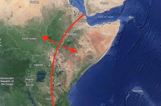 Các nhà khoa học phát hiện Châu Phi đang tách ra làm đôi, sắp sửa hình thành một đại dương mới? - Ảnh 2.
