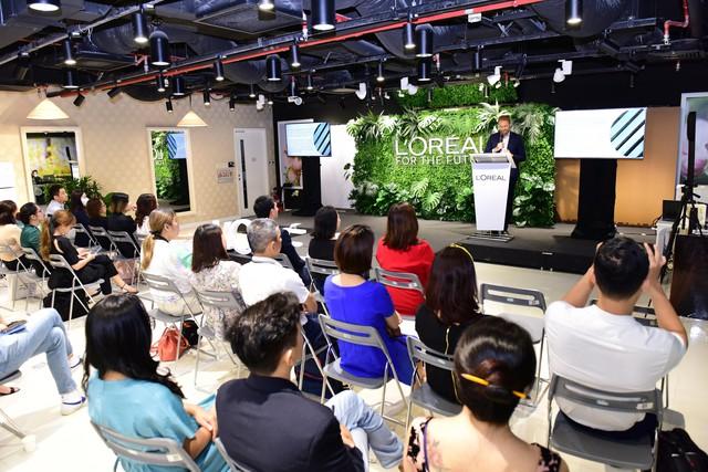 Cam kết mới của tập đoàn L'Oréal: Tôn trọng các giới hạn của hành tinh và củng cố các cam kết cho phát triển bền vững - Ảnh 1.