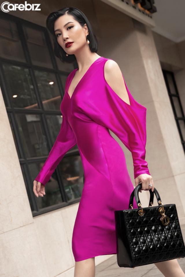 Biến ảo với 3 xu hướng thời trang hứa hẹn bùng nổ trong mùa xuân hè 2020 của nhà mốt Công Trí  - Ảnh 11.