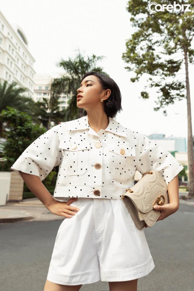 Biến ảo với 3 xu hướng thời trang hứa hẹn bùng nổ trong mùa xuân hè 2020 của nhà mốt Công Trí  - Ảnh 8.