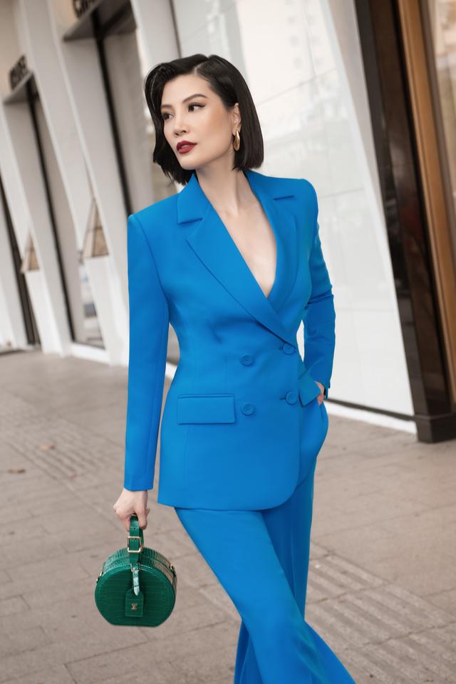 Biến ảo với 3 xu hướng thời trang hứa hẹn bùng nổ trong mùa xuân hè 2020 của nhà mốt Công Trí  - Ảnh 13.