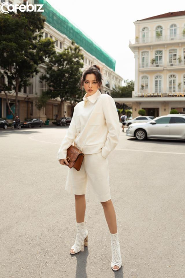 Biến ảo với 3 xu hướng thời trang hứa hẹn bùng nổ trong mùa xuân hè 2020 của nhà mốt Công Trí  - Ảnh 3.