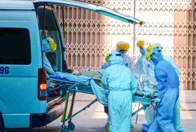 Bệnh viện Chợ Rẫy cử đội phản ứng nhanh đến Đà Nẵng điều trị COVID-19 - Ảnh 1.