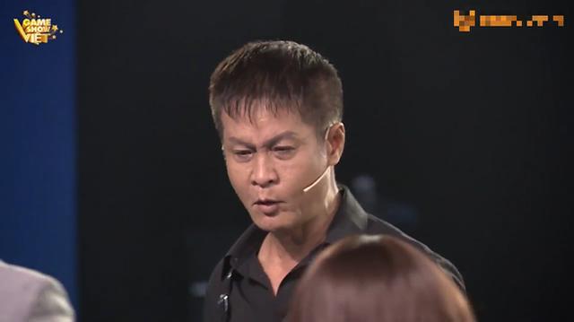 30 tuổi vẫn bị bắt ngủ chung, nam MC quỳ gối van xin mẹ, đạo diễn Lê Hoàng lớn giọng: Một bi kịch kinh khủng! - Ảnh 2.