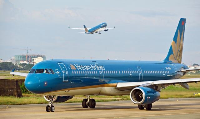 Chuyến bay đi/đến Đà Nẵng bị dừng, các hãng hàng không hỗ trợ hoàn/đổi vé như thế nào? - Ảnh 1.