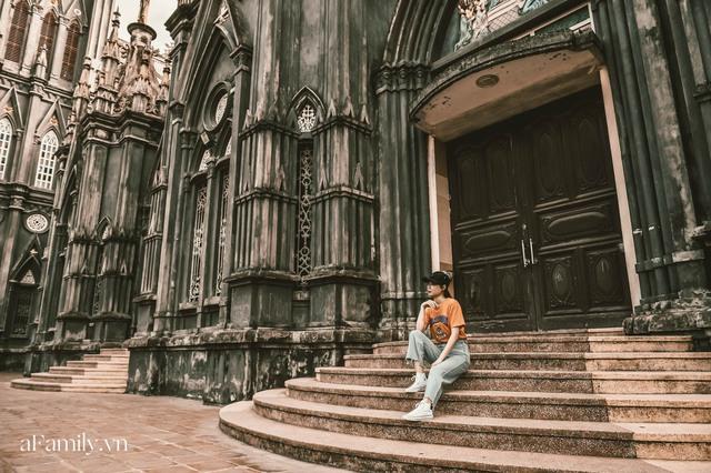 Cận cảnh nhà thờ đang hot nhất ở Nam Định được ví y như trên phim Harry Potter và tới khi đến xem trực tiếp thì nó đẹp thật trời ạ! - Ảnh 11.
