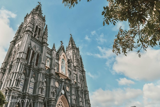 Cận cảnh nhà thờ đang hot nhất ở Nam Định được ví y như trên phim Harry Potter và tới khi đến xem trực tiếp thì nó đẹp thật trời ạ! - Ảnh 12.