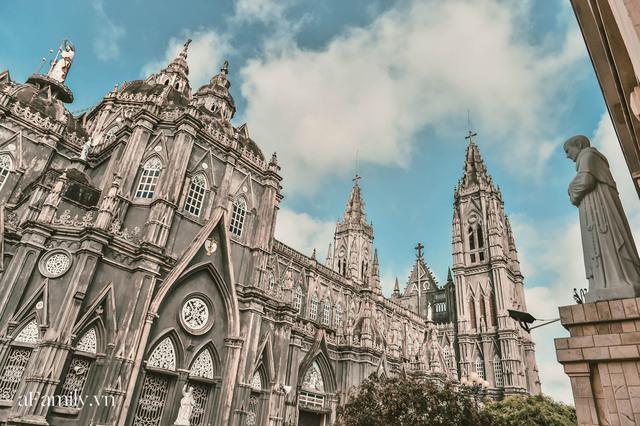 Cận cảnh nhà thờ đang hot nhất ở Nam Định được ví y như trên phim Harry Potter và tới khi đến xem trực tiếp thì nó đẹp thật trời ạ! - Ảnh 4.