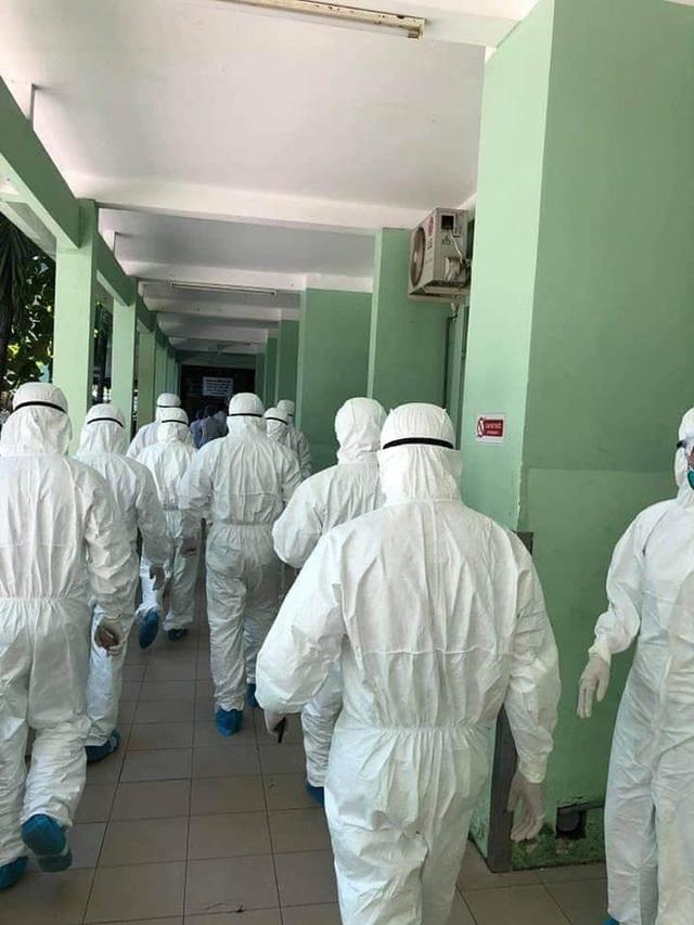Hình ảnh các y bác sĩ cả nước đến Đà Nẵng, vội vã chống lại Covid-19 gây xúc động mạnh - Ảnh 2.