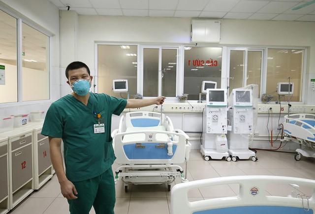 Bên trong bệnh viện đón 120 người nhiễm COVID -19 về từ Guinea Xích Đạo - Ảnh 4.