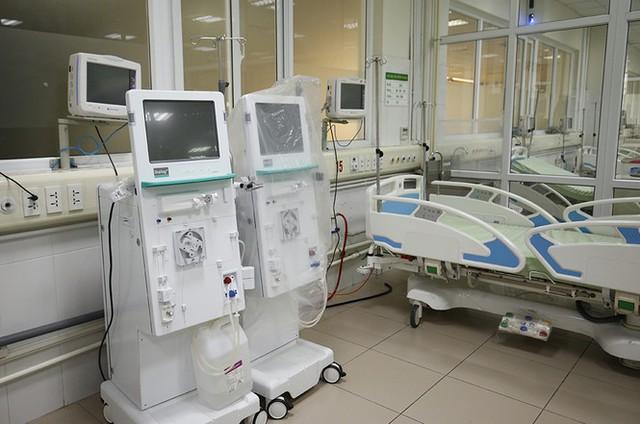 Bên trong bệnh viện đón 120 người nhiễm COVID -19 về từ Guinea Xích Đạo - Ảnh 7.
