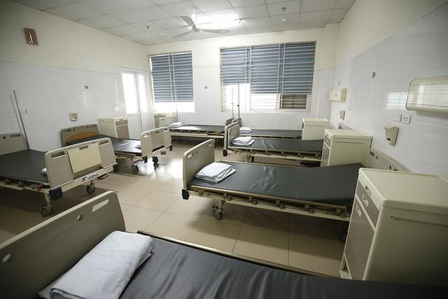 Bên trong bệnh viện đón 120 người nhiễm COVID -19 về từ Guinea Xích Đạo - Ảnh 9.