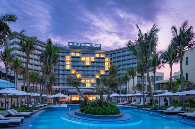 Khách sạn 5 sao ở Đà Nẵng gặp khó: Lần đầu chưa kịp khai trương thì Covid xuất hiện, vừa đón khách 1 tháng dịch lại bùng phát - Ảnh 1.