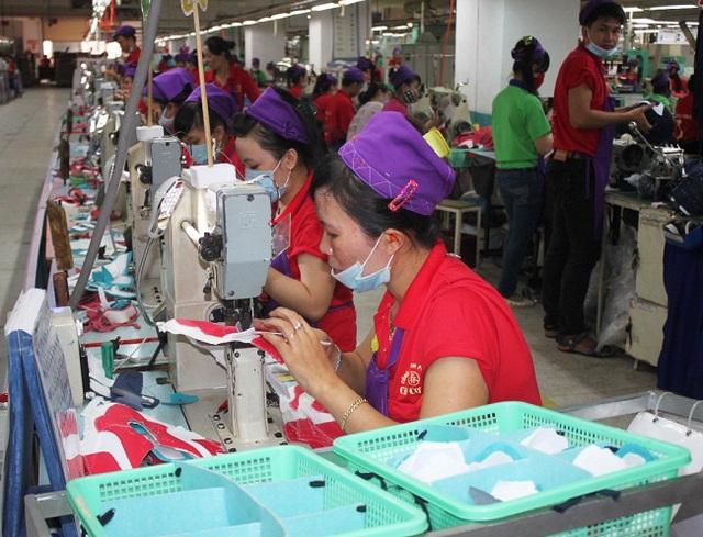 Công ty PouYuen cho 6.000 công nhân tạm ngừng việc, dự báo có 328.000 người lao động nghỉ việc trong 6 tháng cuối năm - Ảnh 2.