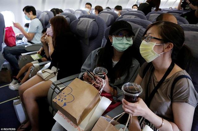 Đài Loan cho dân đi máy bay giả vờ để xoa dịu những con tim thèm du lịch - Ảnh 4.