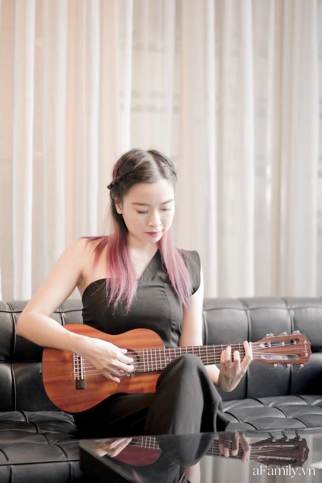 Đinh Khánh Ly: Từ một đứa trẻ trầm cảm trở thành cô giáo dạy đàn, là nhạc sĩ kiêm giám đốc thu nhập vài trăm triệu mỗi tháng tất cả đều là hành trình dài khó ai ngờ - Ảnh 2.
