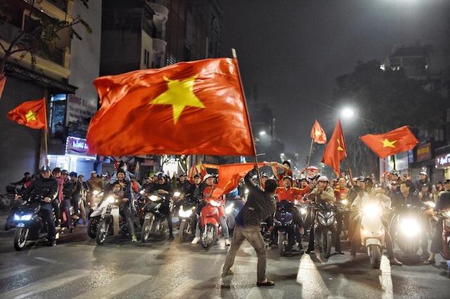 Báo Mỹ: Nền kinh tế Việt Nam sáng nhất châu Á - Ảnh 1.