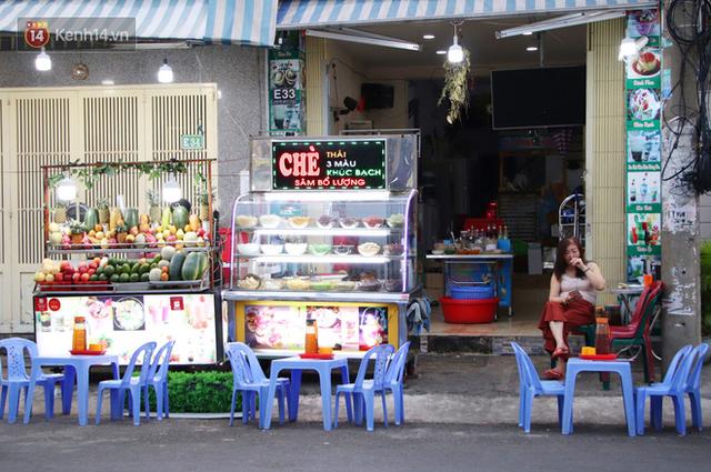 2 khu phố ẩm thực nổi tiếng ở Sài Gòn: Chỗ vắng vẻ đìu hiu, nơi tấp nập khách nhưng bán dưới 25 triệu một đêm vẫn lỗ - Ảnh 12.