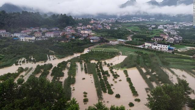 CNN: Lũ lụt đe dọa an ninh lương thực đang buộc Trung Quốc phải nhập khẩu thực phẩm nhiều hơn - Ảnh 1.