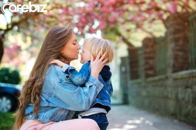 Chia sẻ bí quyết dạy con, parent coach Linh Phan: Mẹ hạnh phúc, con mới hạnh phúc - Ảnh 2.